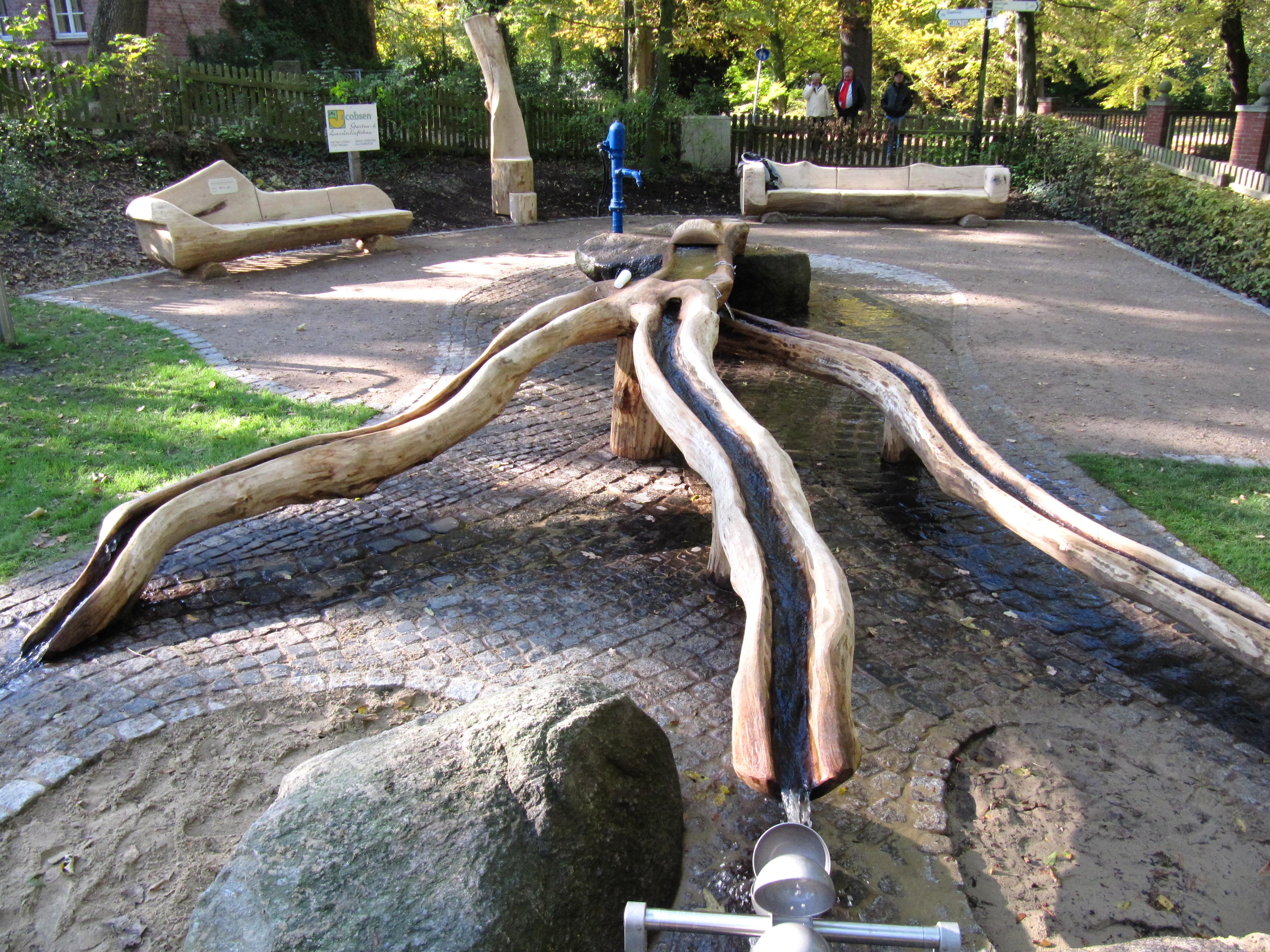 """Mehrgenerationen Spielplatz Zeven """"Wasserbaum"""""""