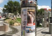 Litfaßsäule mit Weltzeituhr, Onnen-Visser-Platz, Norderney